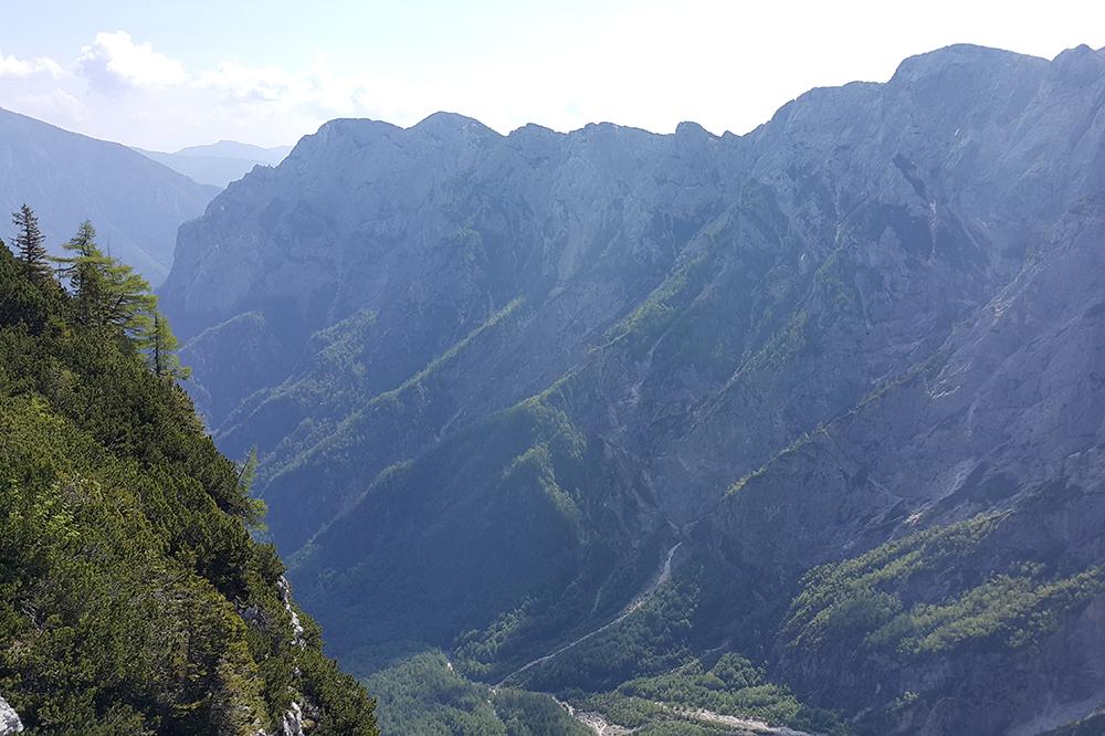 Pogled v dolino Robanovega kota