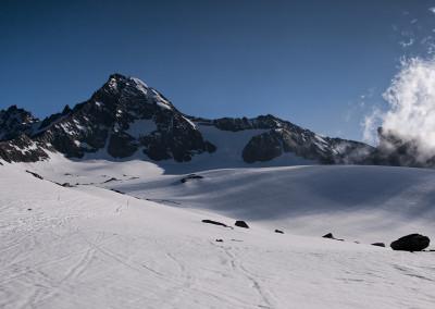 Grossglockner 3798, v ospredju pa ledenik Kodnitzkees