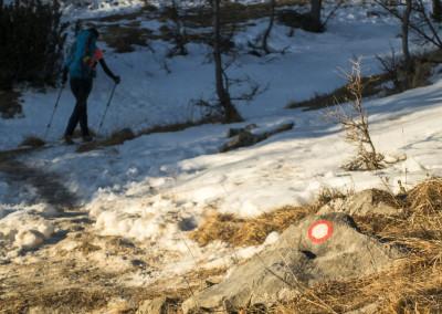 Lepo sledljiva pot z malo snega in dosti markacijami