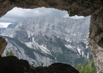 Pogled iz votline na greben Mojstrovk