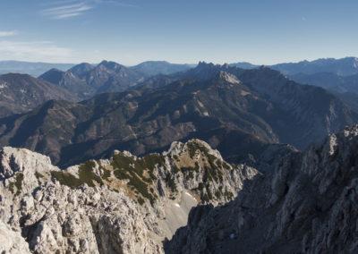 Od Palca mimo grebena Košute pa vse do Kamniško Savinjskih Alp