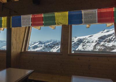 Pogled iz koče proti Mont Blancu