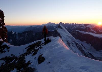 ...a mi... še na grebenu na višini cca. 4200 m.n.v.