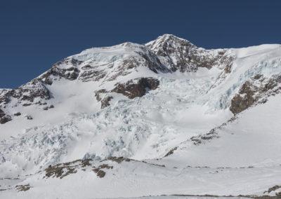 Še živ del ledenika nad kočo